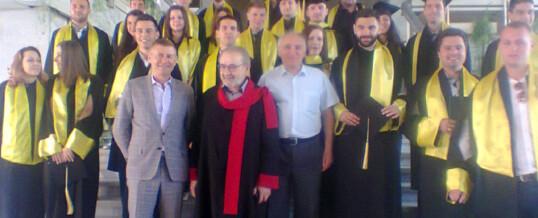 На 03.06.2016 г. се дипломираха част от випускниците ни